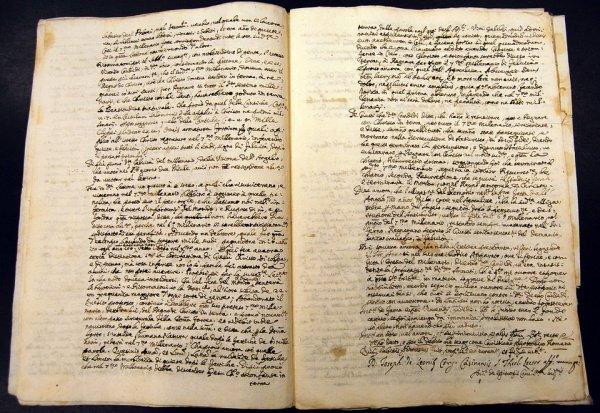 При этом текст был написан от руки на старофранцузском языке