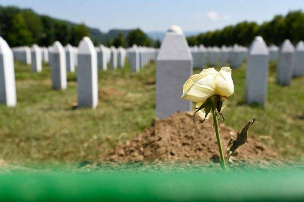 Как Пророк (мир ему) относился к умершим, которые при жизни совершали грехи?