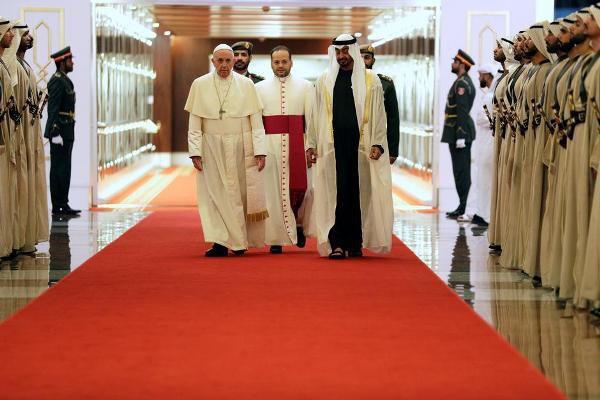 Папа Римский прибыл в ОАЭ.