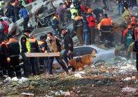 Число жертв обрушения жилого дома в Стамбуле продолжает расти