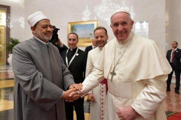 Визит Папы Римского в ОАЭ стал первым в истории Ватикана.