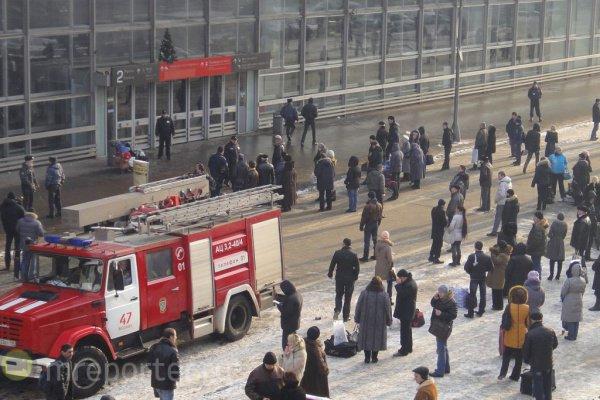 Обследование вокзала показало, что угроза взрыва была ложной.