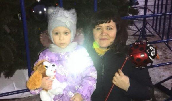 Алимова Наргиза с дочкой