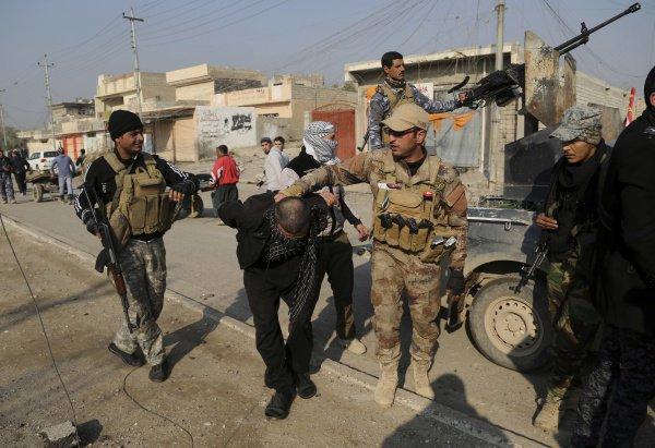 Масштабная антитеррористическая операция прошла на западе Ирака.