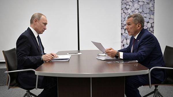 Песков назвал отношения Путина и Минниханова доверительными.
