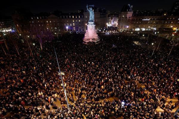 Антисемитский митинг в Париже.