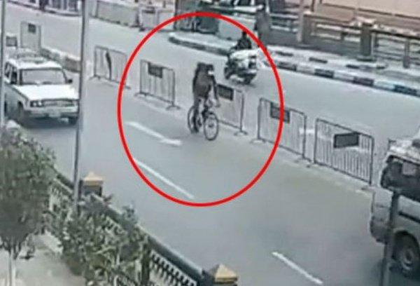 Террорист передвигался на велосипеде.