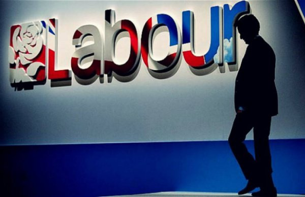 В партии лейбористов произошел крупнейший раскол.