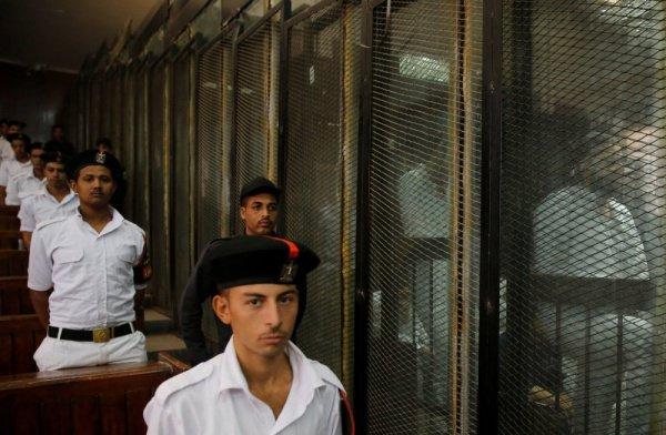 Осужденные в убийстве прокурора Египта казнены.