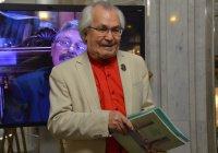 Известный по всей России каллиграф раскрыл свои профессиональные секреты