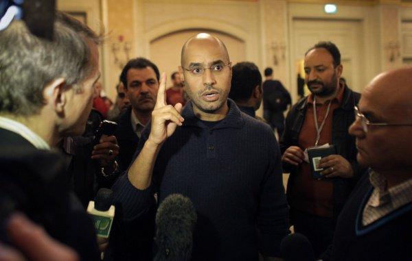Сейф аль-Ислам принимал активное участие в деятельности отца.